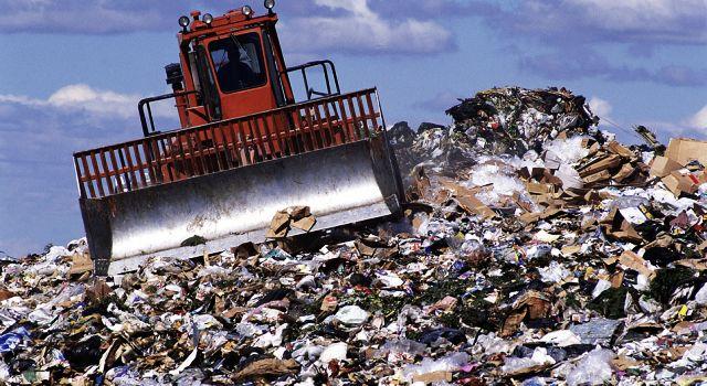 О самом интересном Не реферат но проблема утилизации отходов  Наступила весна Выйдя на крыльцо дома или войдя в сад мы видим что тут и там необходима тщательная уборка Но куда весь этот мусор вывезти