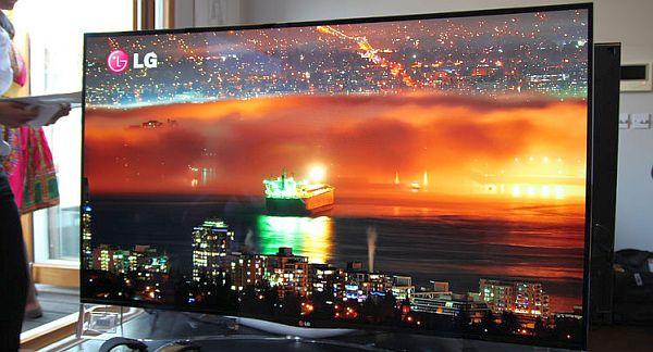OLED-телевизор LG с изогнутым экраном будет стоить в РФ 400 тысяч рублей